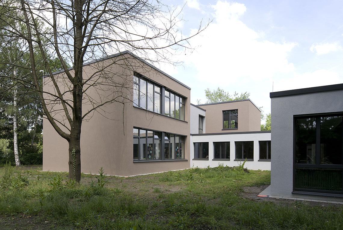regenbogenschule unterfeldhaus sohoarchitekten partg mbb. Black Bedroom Furniture Sets. Home Design Ideas